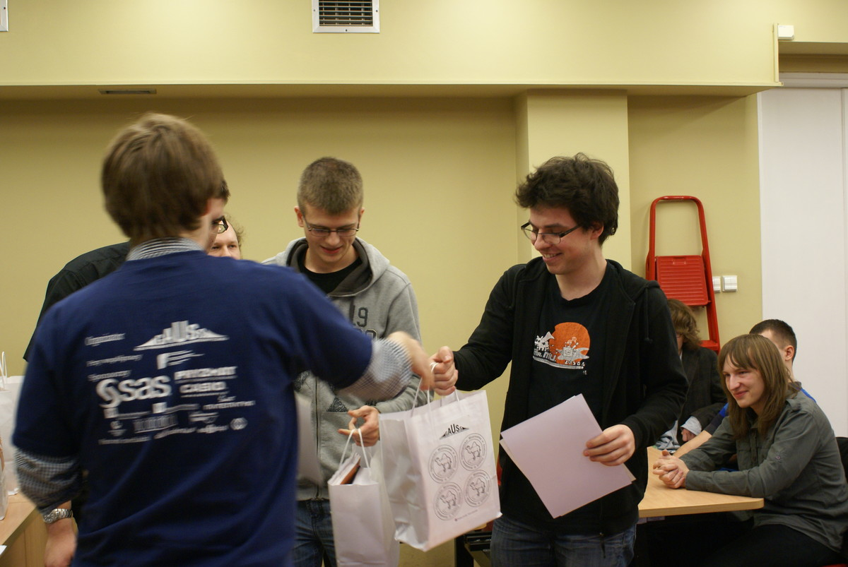 Wręczenie nagród za I miejsce w kategorii Studenci